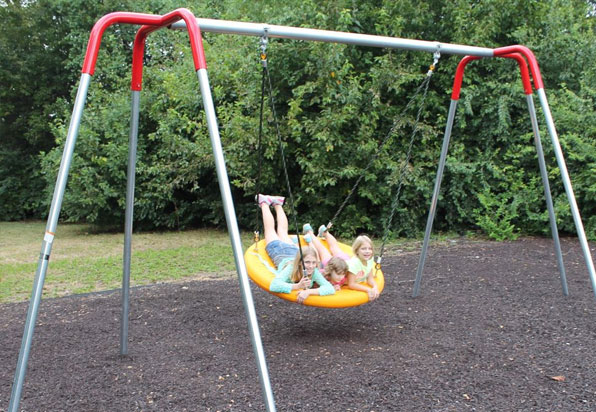 Heavy duty tire swing playground equipment for for Tire play structure